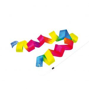 Foto: ein regenbogenfarbiges Schwungband an einem weißen Stab