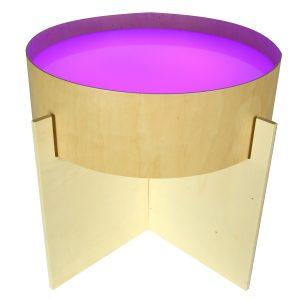 Foto: violett beleuchtete Leuchttonne auf Standfuß