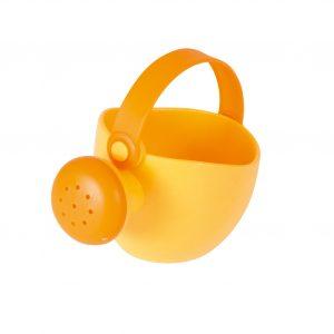 Foto: kleine orange Spielzeug-Gießkanne für Kinder