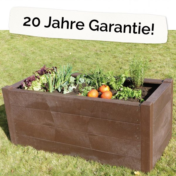 """Foto: Hochbeet für Kinder aus Recycling-Kunststoff neben Schriftzug """"20 Jahre Garantie"""""""