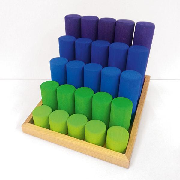 """Holzbausteine für Kinder """"Säulentreppe"""": 25 Holzsäulen in einer Holzkiste"""