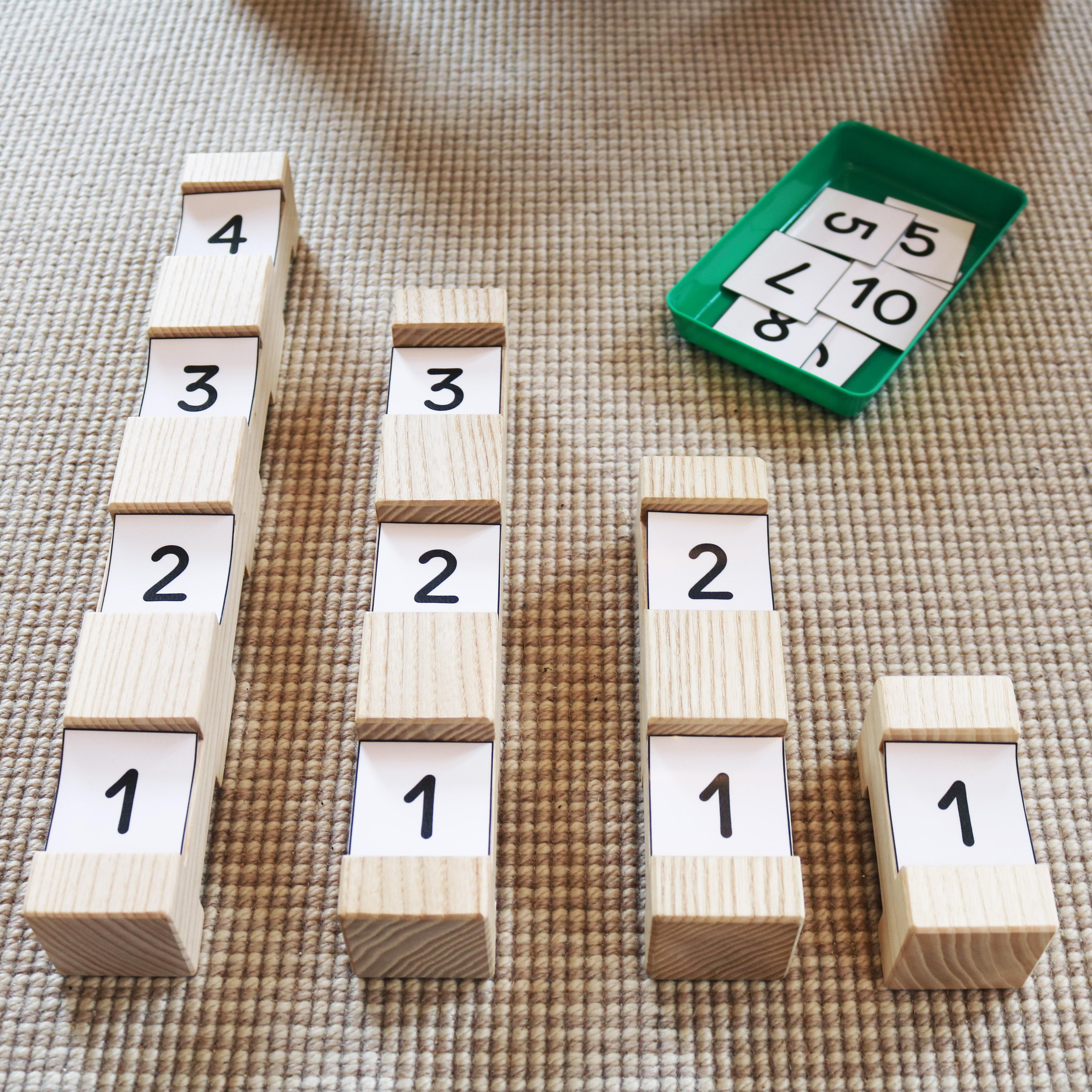 Zahlenkarten 1-10 zu den 4/4 Bausteinen zum Herunterladen und Ausdrucken