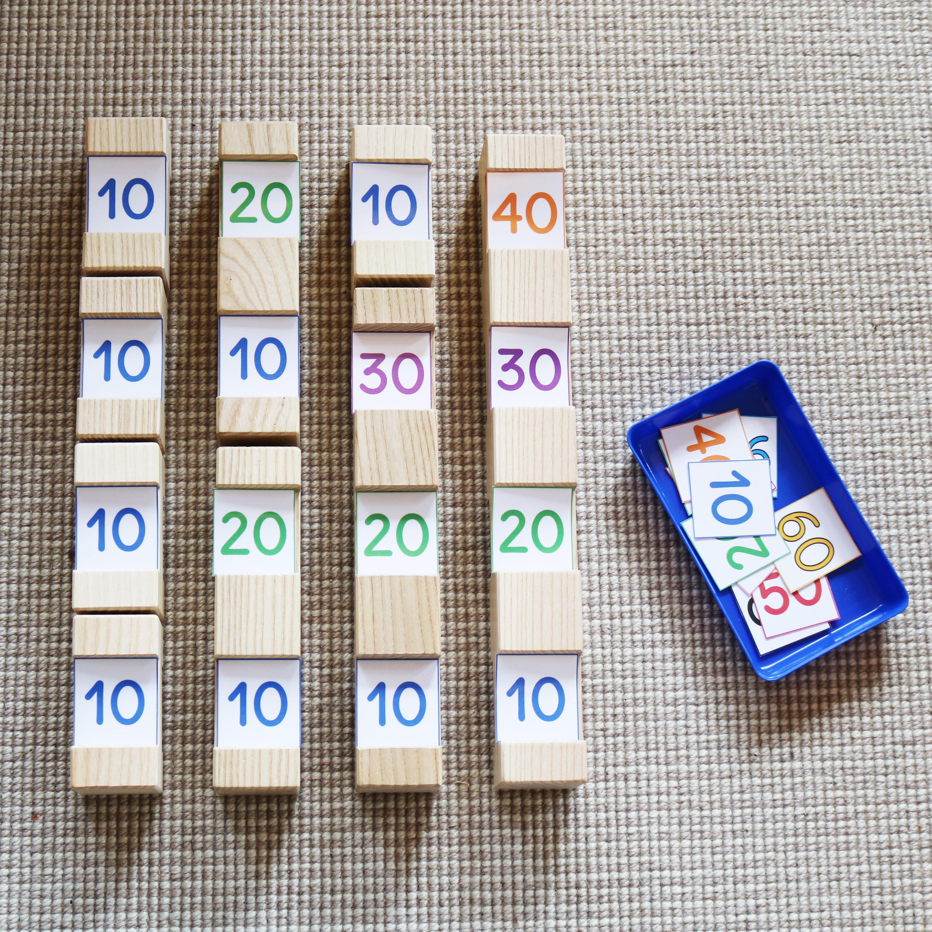 bunte Zahlenkarten 10-100 in Zehnerschritten zum Messen und Rechnen mit den 4/4 Holzbausteinen für Kinder