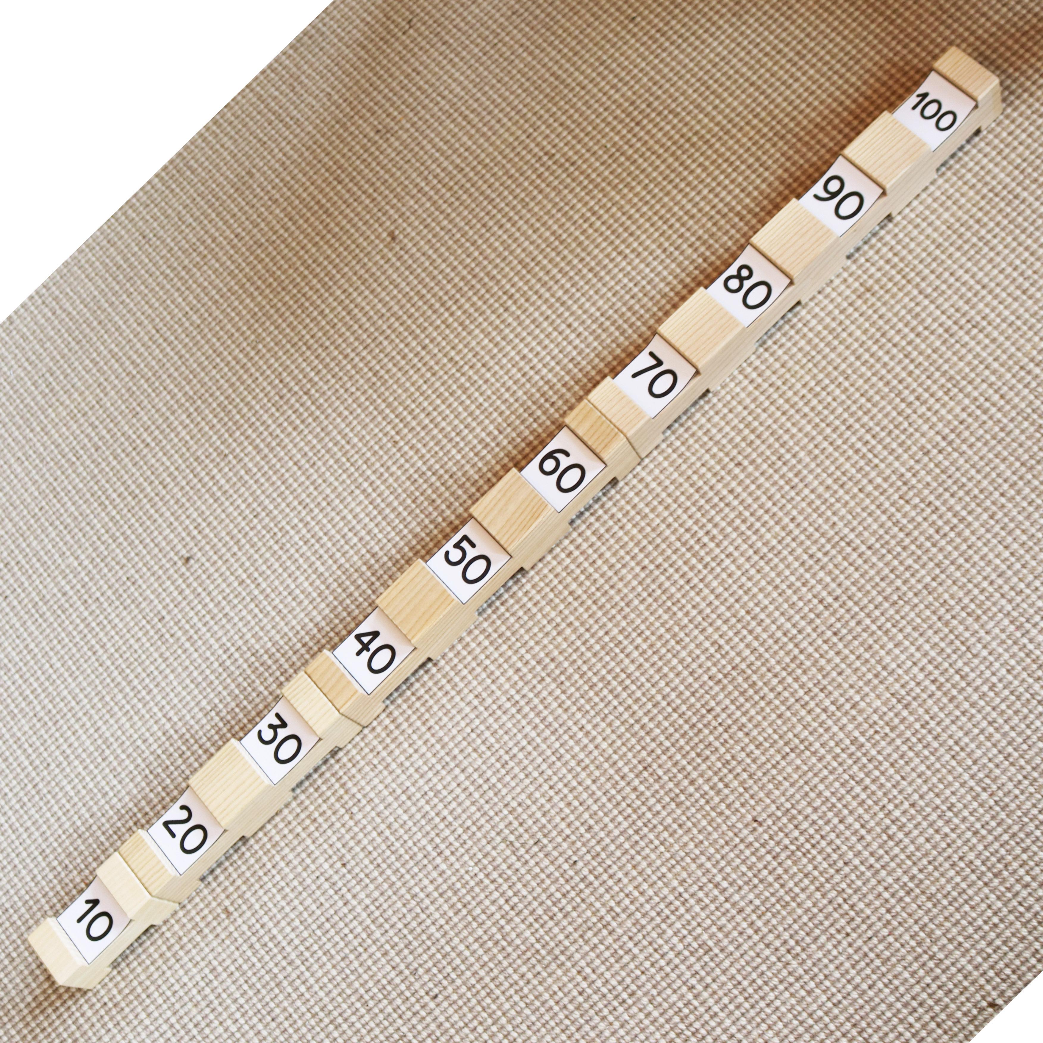 Zahlenkarten 10-100 in Zehnerschritten zum Messen und Rechnen mit den 4/4 Holzbausteinen für Kinder
