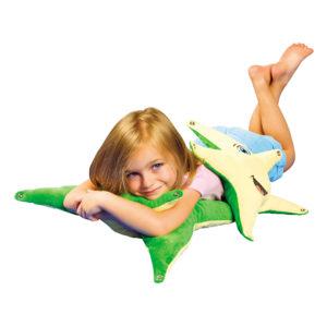 """Kindergartenkind entspannt mit den Gewichtspölstern """"Seesterne"""""""