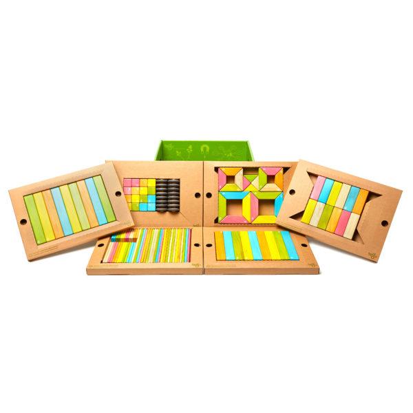 Inhalt der 130-teiligen Packung tegu Magnetbausteine aus Holz für den Kindergarten
