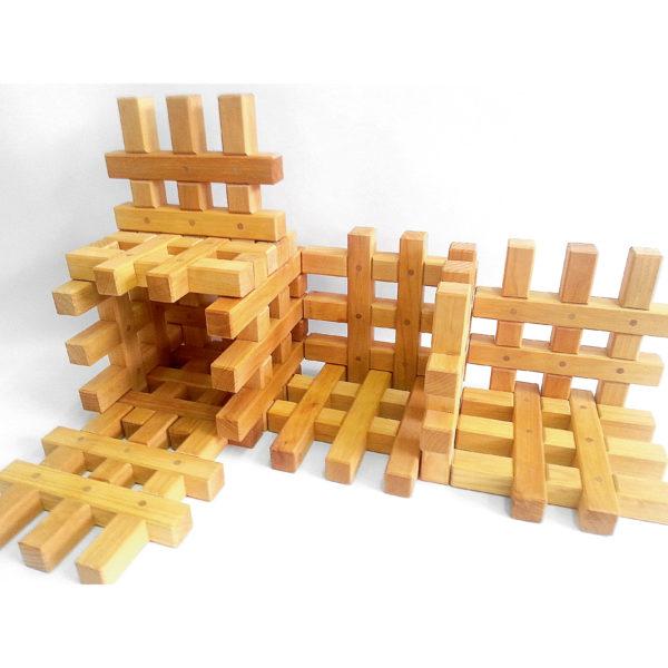 Bauwerk aus Gitterklötze natur Holzbausteine für Kinder