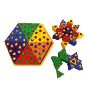 Bunte Dreiecke Holzbausteine mit Glitzersteinen für Kinder von Bauspiel