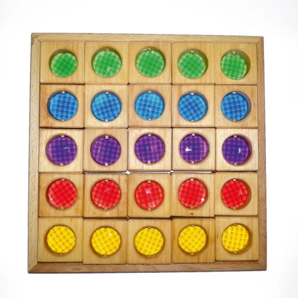 25 Holzbausteine für Kinder mit eingesetzten Funkelsteinen mit Facettenschliff im Holzkasten