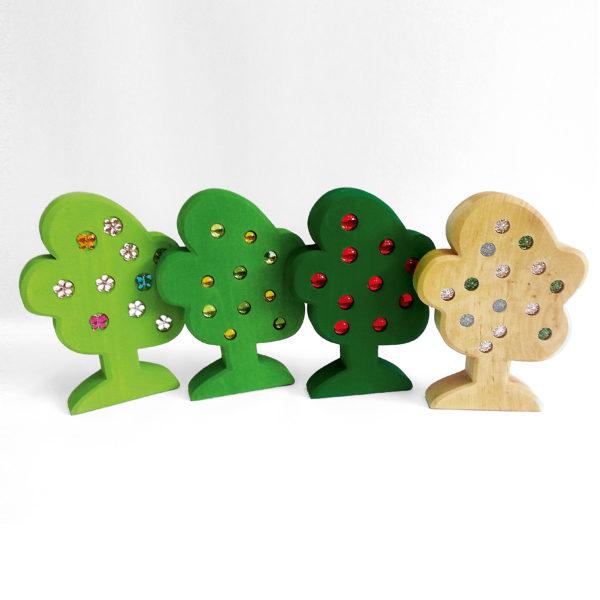 4 Holzbäume des Jahreszeiten Baumsets für Kinder