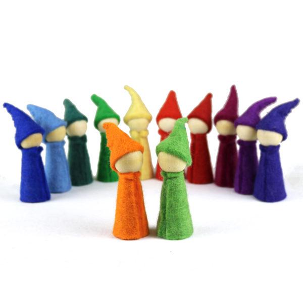 12 Holzfiguren mit Filzmantel und Zipfelmützen für Kindergarten-Kinder