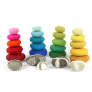 Filzkiesel für Kinder zum Spielen und Dekorieren in verschiedenen Farben und Größen