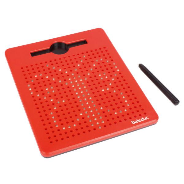 Beispielbild: ein Schmetterling mit Magnetkugeln auf der Magnetzeichentafel gemalt