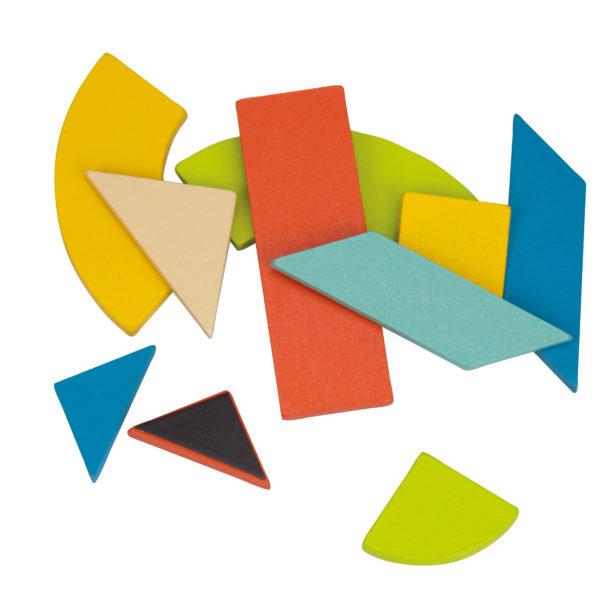 Detailansicht der magnetischen Holzteile des Legespiels Tangeo
