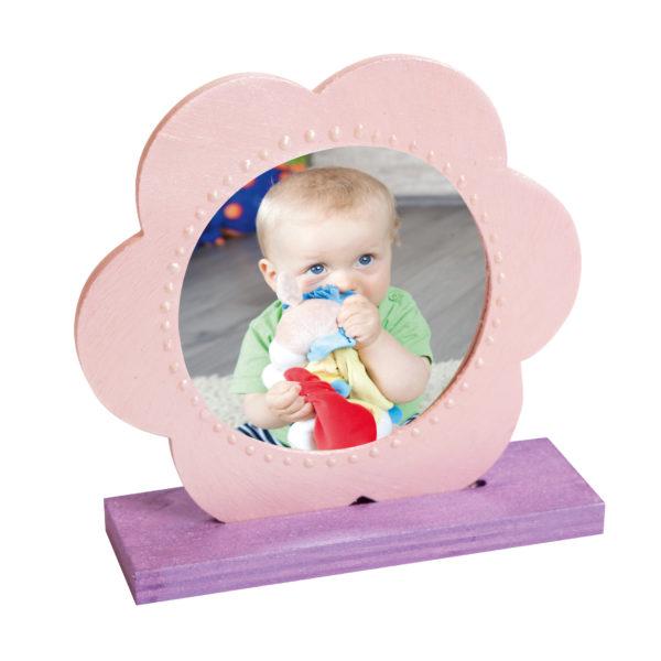 Der Holzspiegel von beleduc kann auch als Bilderrahmen verwendet werden