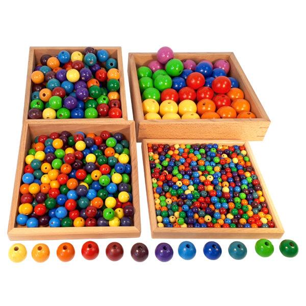 Holzperlen für Kinder in den 12 Farben des Farbenkreises und in verschiedenen Größen