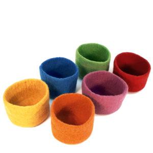 6 Filzbecher in 6 Farben für Kinder zum Spielen und Sortieren