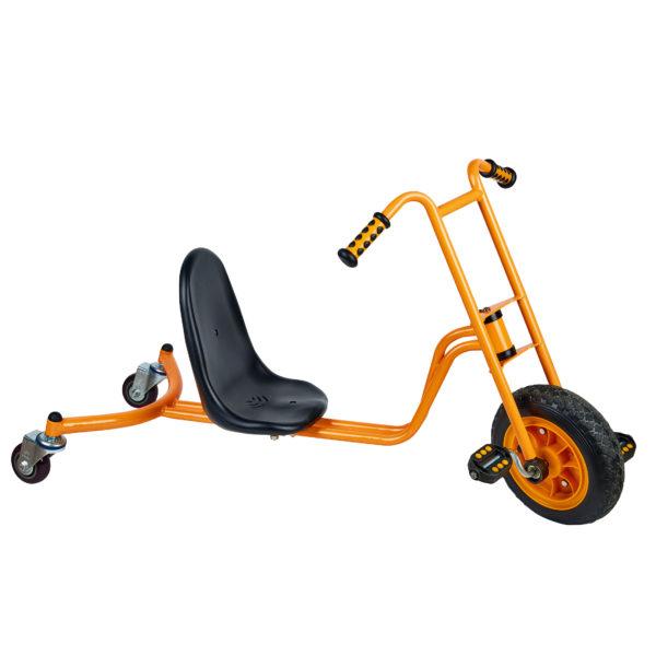 Seitenansicht des orangfarbenen Drift Riders von beleduc für Kinder ab 5 Jahren