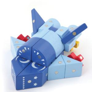 Rakete gebaut aus Genii Magnetbausteinen für Kindergartenkinder