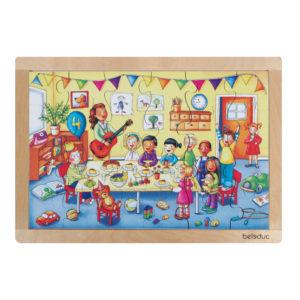 Das Rahmenpuzzle für Kinder im Kindergartenalter zeigt eine Geburtstagsfeier im Kindergarten