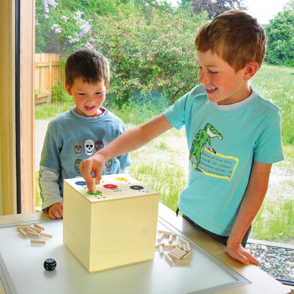 Ab in die Box XXL aus Holz für Kindergarten- und Schulkinder