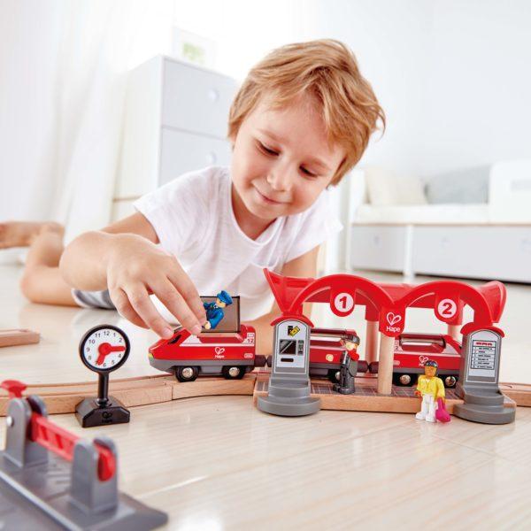 Eisenbahn Set Holz für Kinder in Kindergarten- und Schulalter