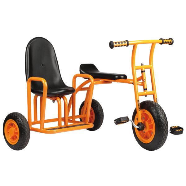 Seitenansicht des Dreirads Seitenwagen mit zusätzlichem Beifahrersitz neben dem Fahrersitz für 2 Kinder ab 4 Jahren
