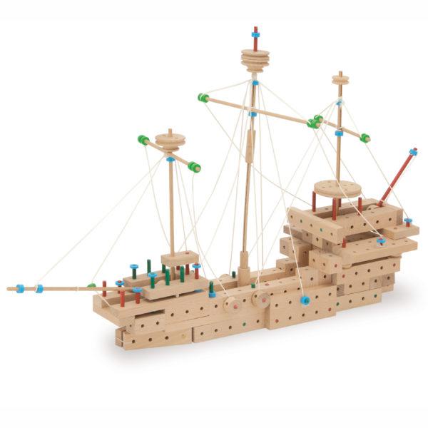 Schiff gebaut aus Matador Holz Bausteinen