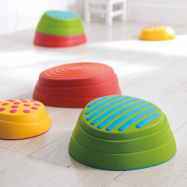 Regenbogen Flussteine für Bewegungsspiele in Krippe und Kindergarten