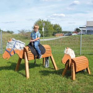 Holzpferd für Kinder in 2 verschiedenen Größen