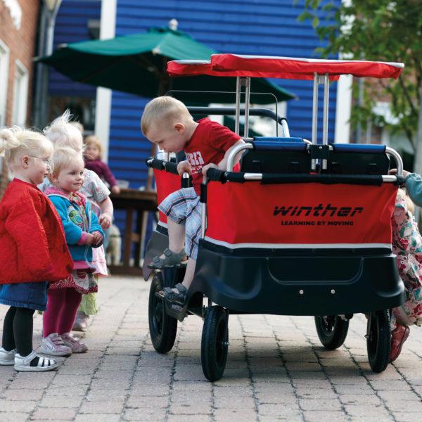 Kinderbus für Transport von 4 Kindern