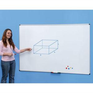 Weisswantafel mit Alurahmen für Gruppenräume in Krippe und Kindergarten