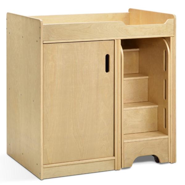 Wickeltisch für das Wickeln von Kindern in Krippe und Kindergarten