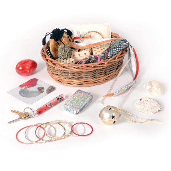 Körbchen SCHILLERNDE DINGE Sensorisches Spielzeug