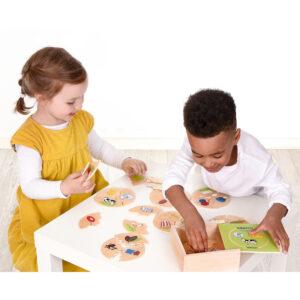 Kinder spielen mit Nawito 4er Set