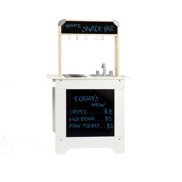 Tafel auf der Rückseite der Kinderküche ausziehbar